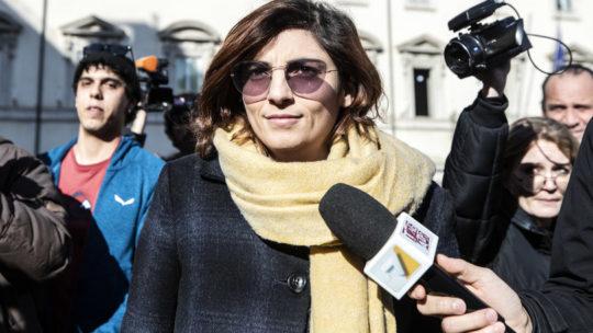 Chi difende (e chi no) Laura Castelli dopo la battuta sui ristoratori