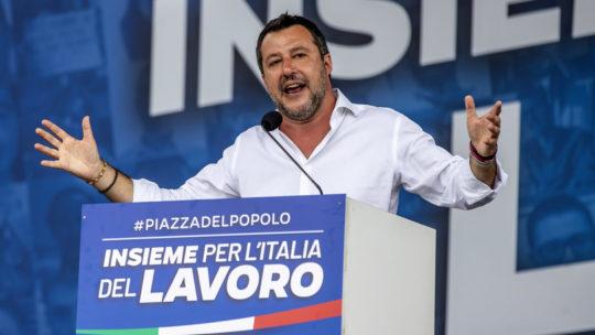"""Salvini a Berlusconi: """"La via maestra è il voto"""""""
