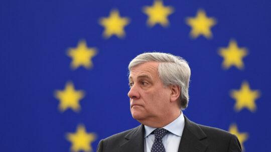 Al centro non c'è posto per altri partitini oltre a Forza Italia, dice Antonio Tajani