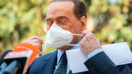 """Berlusconi: """"Ho temuto di non farcela, ma il Covid si può battere"""""""