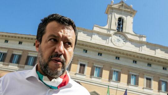 """""""Il governo non ha proferito parola sullo studio segreto"""", attacca Salvini"""