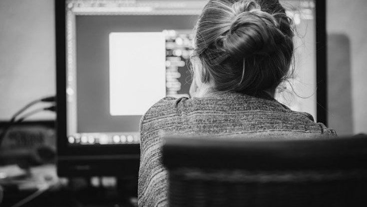 Coronavirus e smart working: il peso dello stress sulle donne