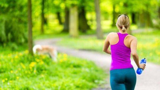 Tumori, ogni anno mille decessi evitabili con l'attività fisica (anche casalinga in tempi di coronavirus)