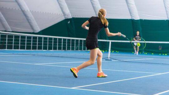 Covid,  paradosso  tennis: perché da gioco sicuro è diventato pericoloso