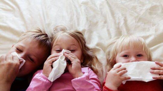Che fine farà il nuovo coronavirus? Potrebbe diventare un fastidioso raffreddore da bambini