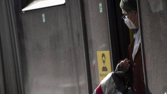 Covid: parlare e telefonare su bus e metro può aumentare i rischi di contagio? Il caso di Monaco