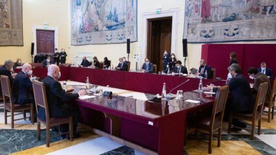 Al via il tavolo di Fico, Italia Viva gioca a carte coperte