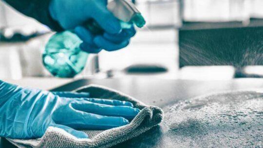 Coronavirus: inutile igienizzare tutto, più importante aprire le finestre