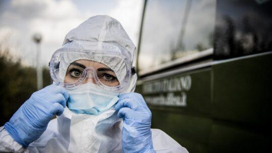 """Mattarella:""""L'Italia è riconoscente verso i medici in prima linea"""""""