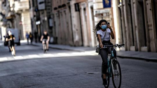 Italia arancione o rossa fino al 30 aprile, stop alle deroghe regionali sulla scuola