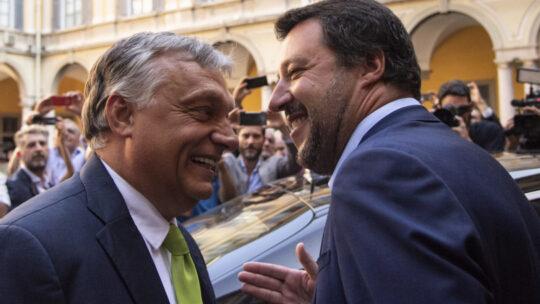 Conte riorganizza il M5s, Salvini vola da Orban. Ma sulle riaperture sale la tensione