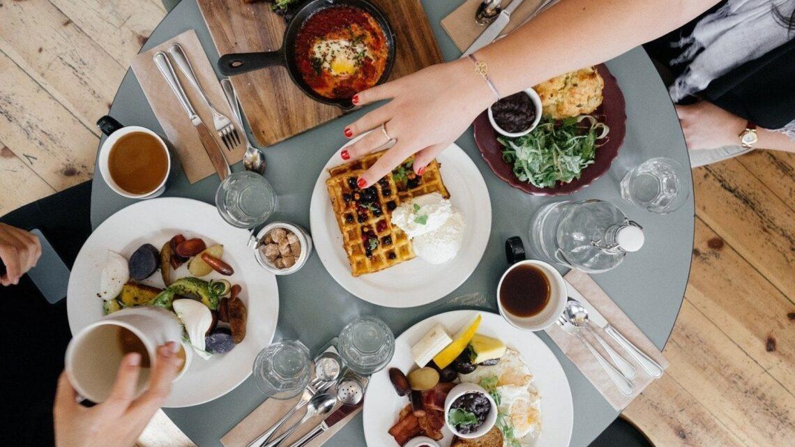 Covid: è allarme per sei comportamenti alimentari malsani