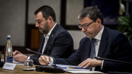 """Salvini alza i toni contro il coprifuoco ma non strappa: """"Fiducia in Draghi"""""""