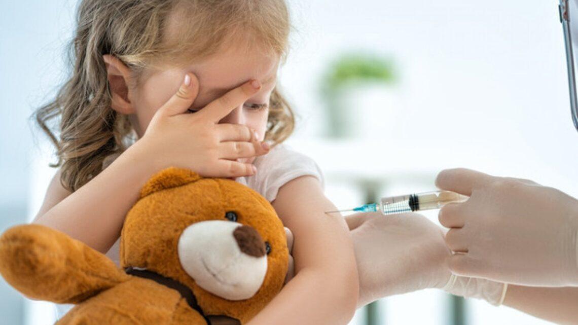 Vaccinazioni dei bambini,  i genitori le rimandano per paura del Covid