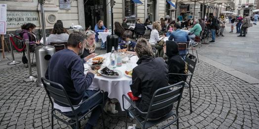 Il limite dei 4 a tavola al ristorante in zona bianca: vertice con il governo