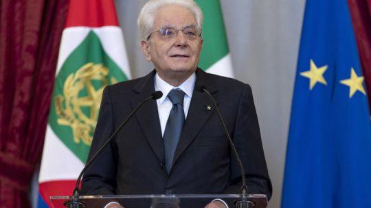 """Il post pandemia sia """"un nuovo inizio"""", dice Mattarella"""