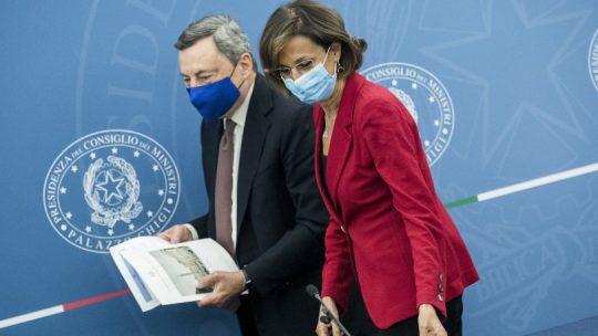 Draghi: un appello a non vaccinarsi è un appello a morire