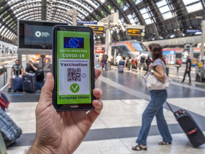 Il Cts: sì al prolungamento della validità del  Green pass a 12 mesi