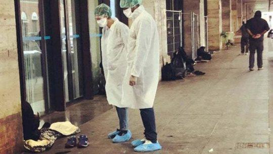 Covid e solidarietà, a Torino l'ambulatorio che cura i più fragili