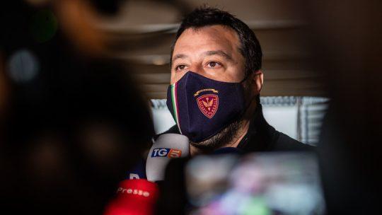 La frase di Salvini sui vaccini che ha fatto infuriare virologi e politici