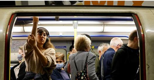 In Gran Bretagna 223 morti: perché i contagi sono così alti?